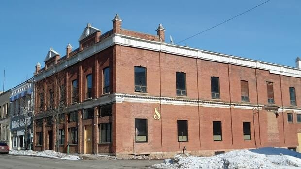 A Toronto developer is looking to turn Thunder Bay's former Kilroy's bar into loft condominiums and a space for new business.