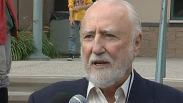 Former Oilers owner Peter Pocklington avoided jail Friday when he was granted bail after filing an appeal on breaching probation charges.