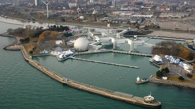 The Ontario Place site should be free to the public and be open year-round, says a special panel appointed to provide recommendations on its revitalization.