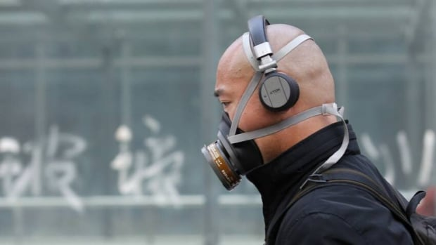 China will spend $283 billion to tackle air pollution over the next five years, a state newspaper reports.