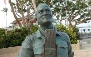 nl-bob-hope-statue-2012