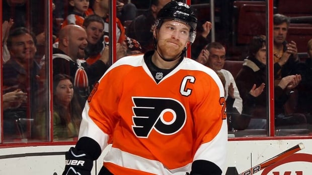 Philadelphia Flyers' Claude Giroux injured himself playing a round of golf on Thursday and was forced to have surgery on his finger. The Flyers announced their captain is expected to be sidelined for 5-6 weeks.