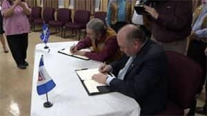 mi-tlicho-devolution-signing