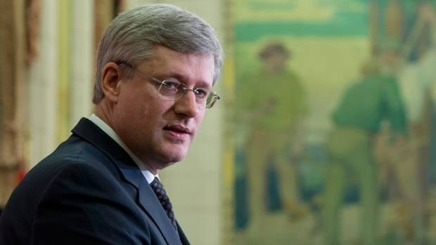 Prime Minister Stphen Harper will address the Conservative caucus Tuesday morning amid a widening controversy over Senate expenses.