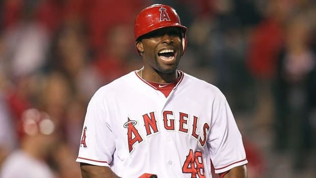 Former Los Angeles Angels outfielder Torii Hunter will be celebrating with a new team next season as he has officially signed on with the defending American League champion Detroit Tigers.