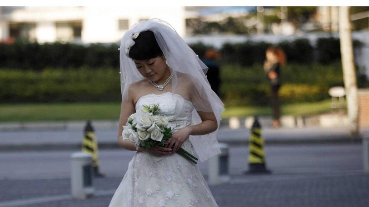 Wedding Gift Etiquette Toronto : Gift or gaffe? Wedding present spurs online debate - Toronto - CBC ...