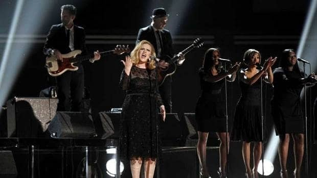 British singer Adele gave her first performance after throat surgery at the 54th annual Grammy Awards in 2012. After having a baby, she returns to Grammy stage to give her first public performance in a year.