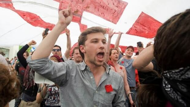 The website set the odds at 5 to 1 that Gabriel Nadeau-Dubois' CLASSE student group will be fined more than $500,000 under Quebec's new student protest law.