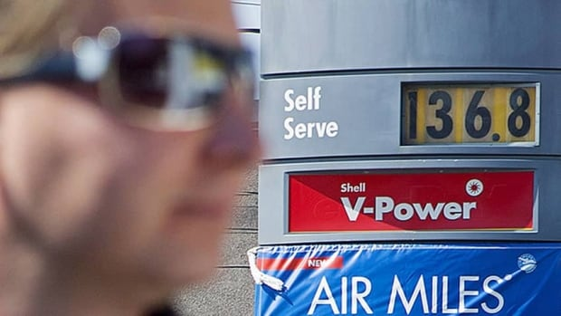 Lower gas prices kept a lid on Canada's inflation rate last month.