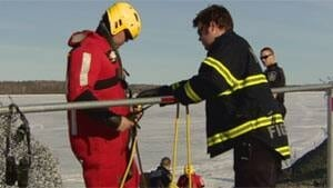 mi-ice-rescue-yellowknife