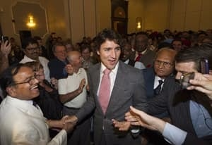 si-trudeau-supporters-300-0