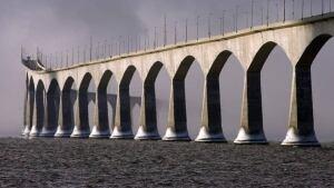 hi-pei-confederation-bridge