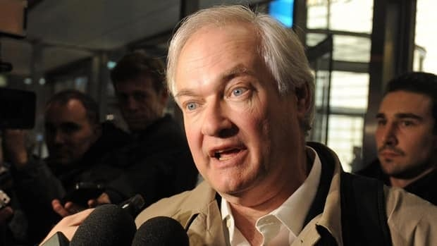 Donald Fehr, executive director of the NHL Players' Association, speaks to the media following talks after meeting with the NHL on Nov. 9, 2012, in New York.