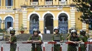 vietnam-court-300