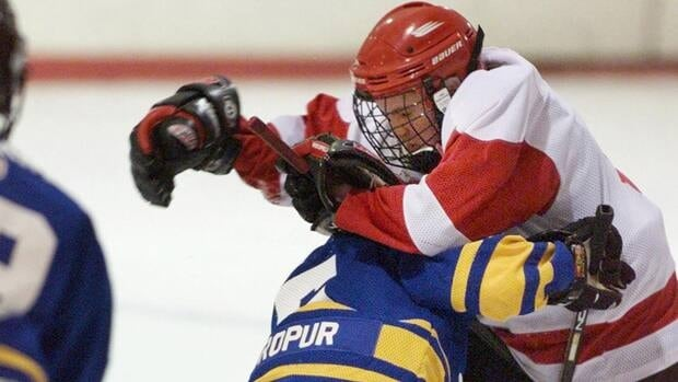 Hockey Canada voted overwhelmingly to eliminate bodychecking at the peewee level during its annual general meeting in Charlottetown on Saturday. Only the Saskatchewan Hockey Association voted against a ban.