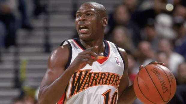 Former NBA point guard Mookie Blaylock, shown here in 2001, played for the Atlanta Hawks between 1992 and 1999 and the Golden State Warriors for the last three seasons of his 12-year career.