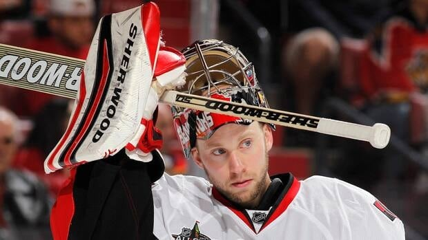 Ottawa Senators goalie Craig Anderson, who's currently riding a four-game winning streak, is out indefinitely after cutting his right hand.