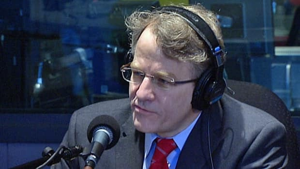 Former MPP and MP Gerard Kennedy will enter the Ontario Liberal leadership convention in third place among committed delegates.