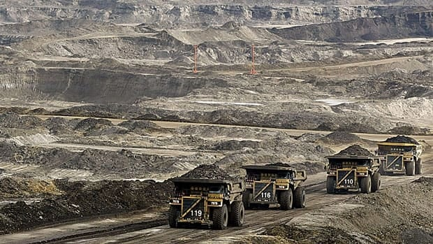 li-oilsands-mine-7004481