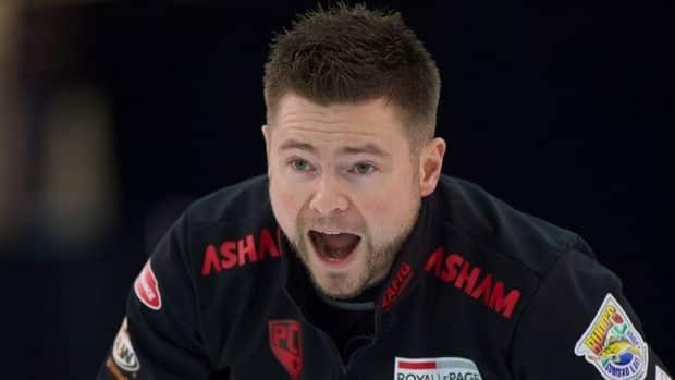 Winnipeg skip Mike McEwen lost narrowly to Glenn Howard in Sunday's final.