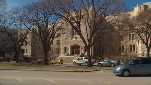 The University of Saskatchewan is projecting a more than $3 million shortfall in its 2013-14 budget.