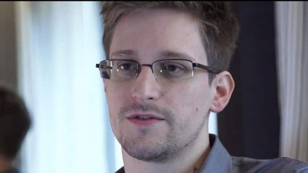 Former National Security Agency contractor Edward Snowden has been elected to represent the student body at the University of Glasgow.