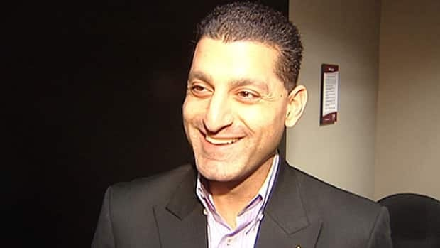 Windsor Mayor Eddie Francis said he's too busy running a $700-million corporation to have time for resolutions.
