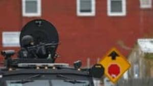 hi-boston-man-hunt-streets-empty-220