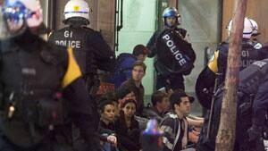 mi-police-arrest02687980