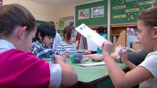 hi-bc-130219-kids-classroom