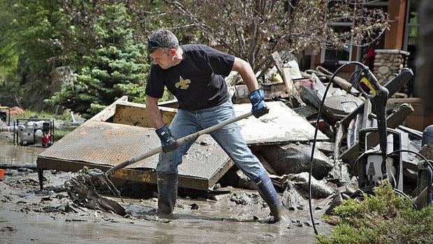 There are calls for more financial transparency as the government doles out money to help Albertans recover from last month's flooding.