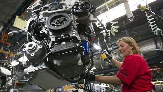 The Canadian Auto Workers union says it has reached a tentative agreement with General Motors.