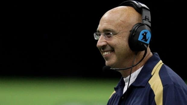 Former Winnipeg Blue Bombers head coach Mike Kelly, shown here in 2009, is hoping to get his foot back in the CFL door.