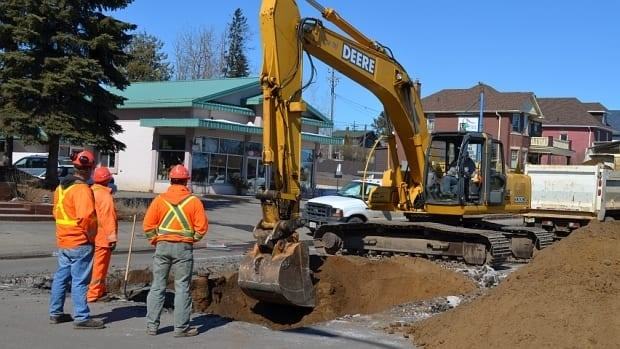 Part of Algoma Street in Thunder Bay was closed for a major sewer repair on Wednesday.