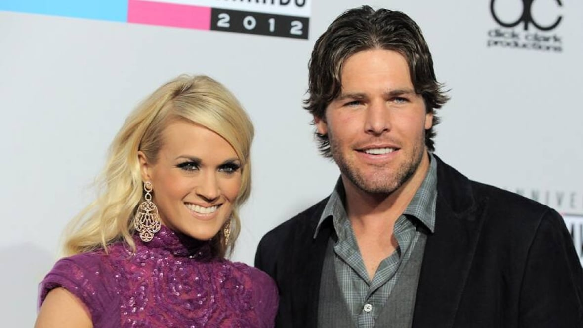 Mike fisher carrie underwood selling ottawa dream home for Carrie underwood husband mike fisher