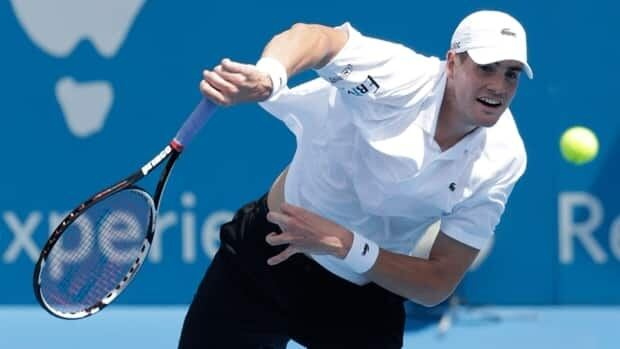 American John Isner has withdrawn from the Australian Open due to a knee injury. He sustained the injury during last week's Hopman Cup in Perth.