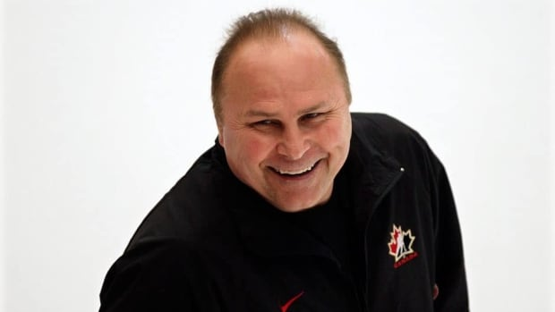 Barry Trotz will help out behind the bench at the world hockey championships in Stockholm, Sweden, in May.