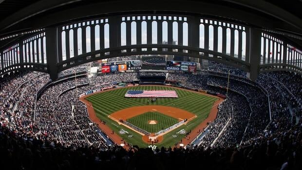 The NHL has reportedly planned a pair of outdoor hockey games at Yankee Stadium in 2014.