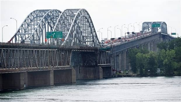 Le Honoré-Mercier Bridge is expected to be under construction from July 13 to August 11.