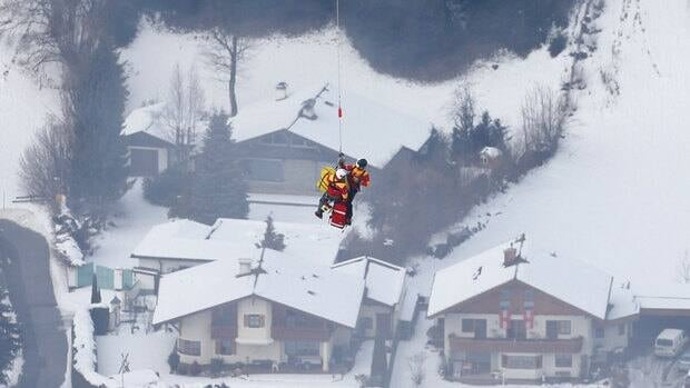 American skier Lindsey Vonn is airlifted after crashing during the women's super-G race at the world alpine skiing championships Tuesday in Schladming, Austria.