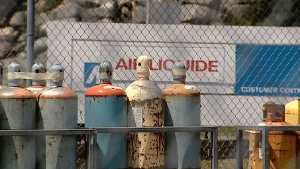 A global helium shortage is hitting Air Liquide in Nova Scotia and party retailers.