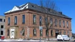si-nb-york-courthouse-220