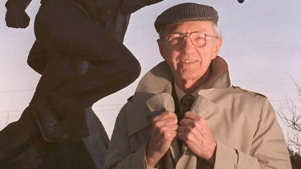 Track and field expert Geoff Gowan, shown in Ottawa in this 1996 photo, passed away Friday from Parkinson's disease.