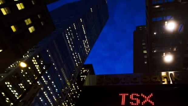 Earnings at the big banks this week and next may hint at signs of trouble in Canada's economy.