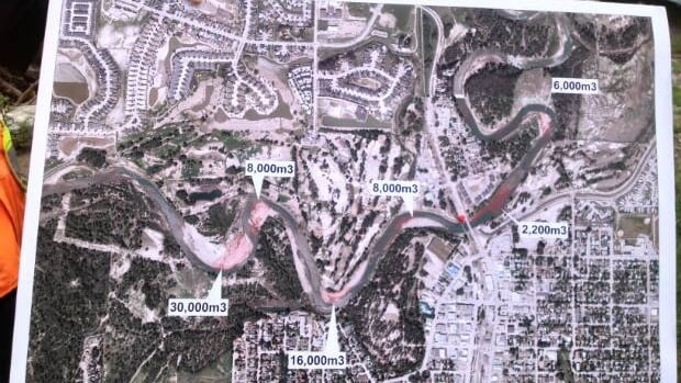 The province announced Thursday afternoon that it will be scraping part of the Highwood River in High River to help mitigate flooding. The work should be completed by Sept. 15.