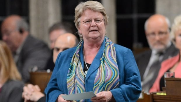 Revenue Minister Gail Shea claims 44 Canadians were convicted of offshore tax evasion from 2006 to 2012. But a CBC News analysis raises questions about the government's numbers.