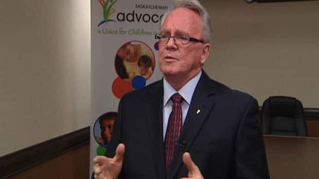 Saskatchewan's Children's Advocate Bob Pringle says a woman working to turn her life around was treated unfairly by social workers.