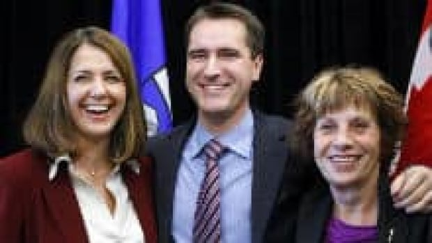 Wildrose Leader Danielle Smith, left, is joined at a news conference by MLAs Rob Anderson, centre, and Heather Forsyth, on Jan. 4, 2010.