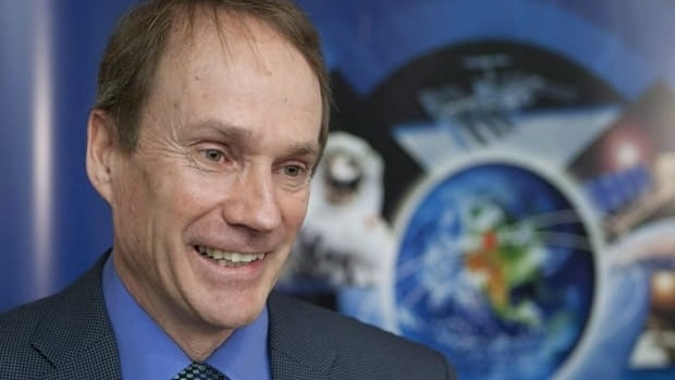 Canadian Space Agency president Steve MacLean is quitting to assume a position in a new venture in Waterloo, Ont.