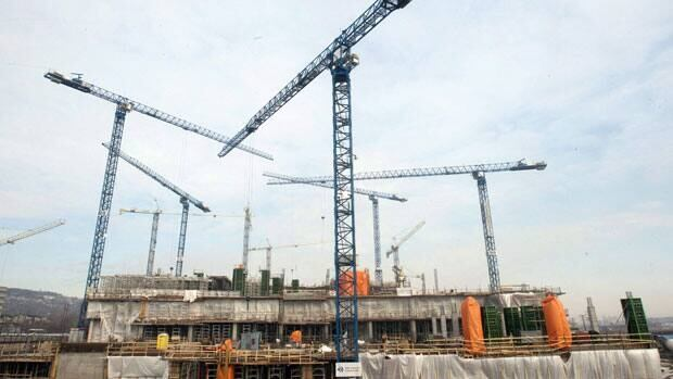 Quebec's construction sites will be idle on Monday following the announcement today of a general strike by unions representing workers.